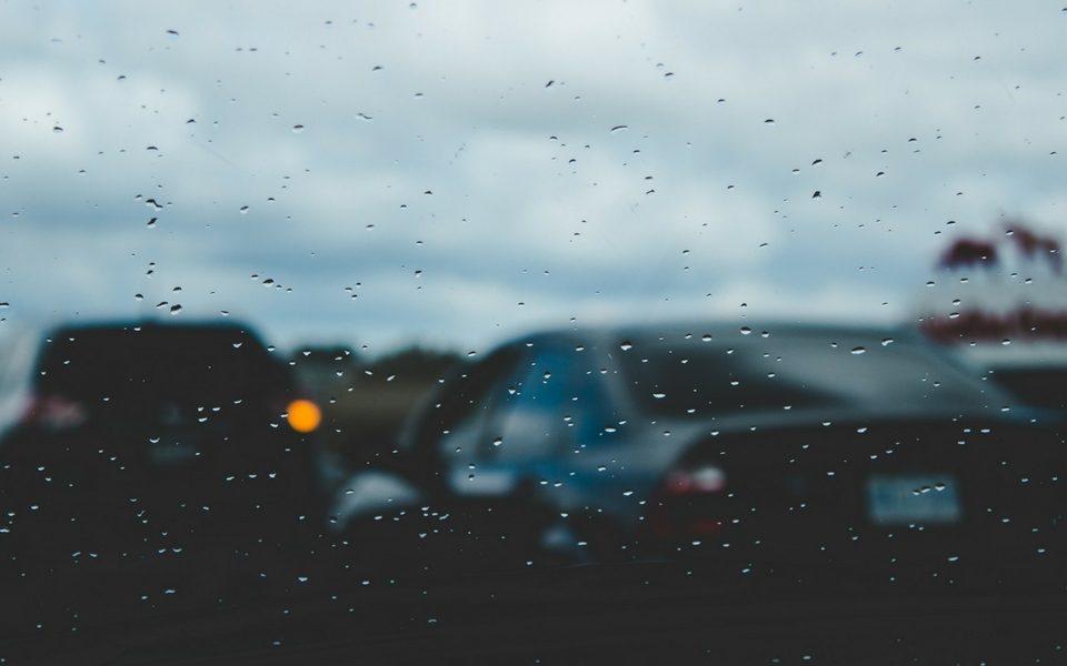 como conduzir à chuva segurança cartrack