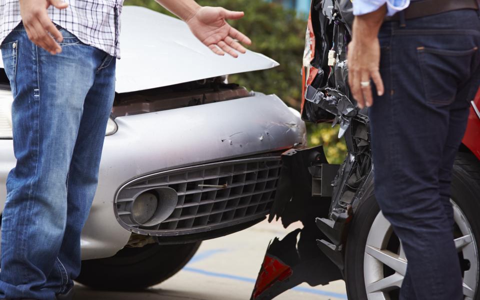 acidentes, segurança rodoviária, fazer em caso de acidente, colete reflector, cartrack